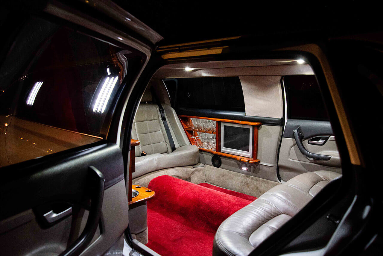 7 Seater Ford Fairlane Stretch Limo Interior view from outside