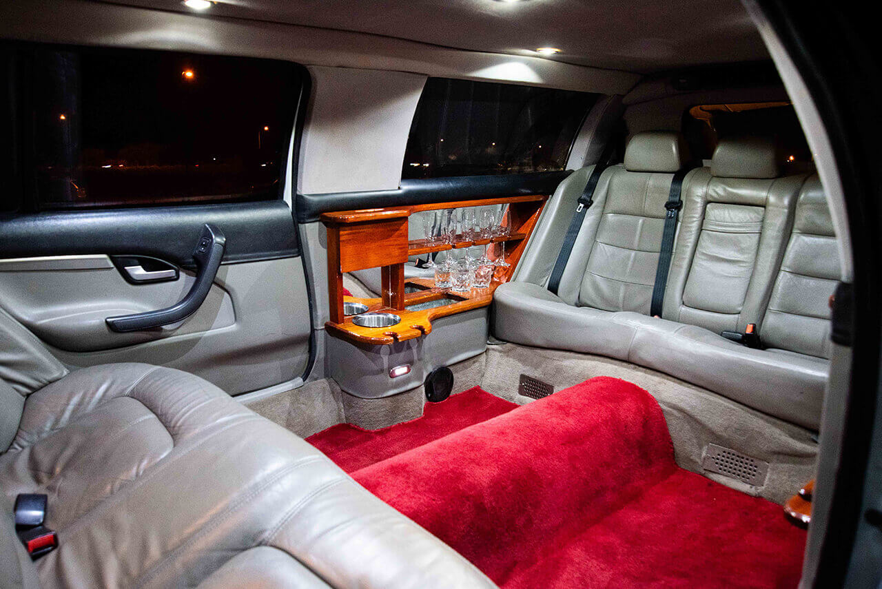7 Seater Ford Fairlane Stretch Limo interior