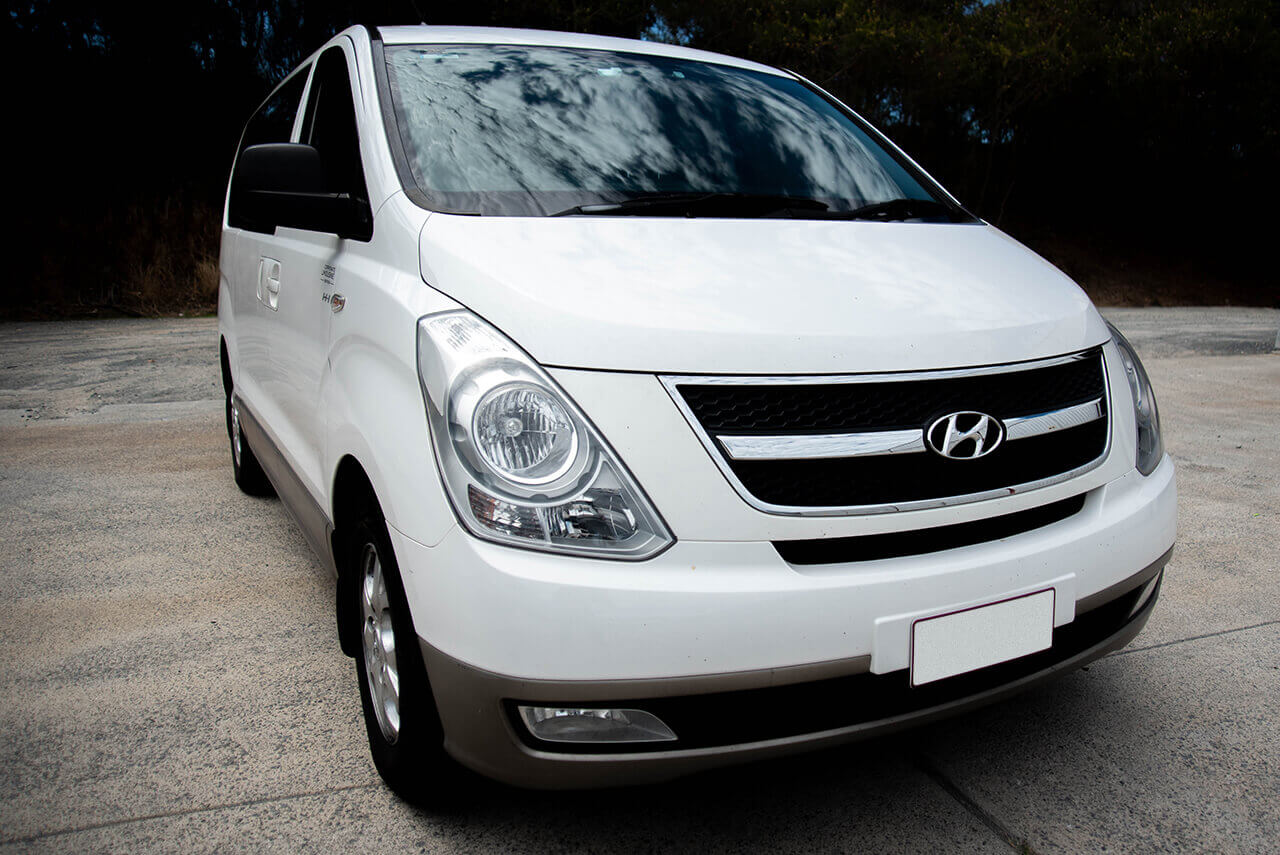 Hyundai 8 Seater People Mover Front View