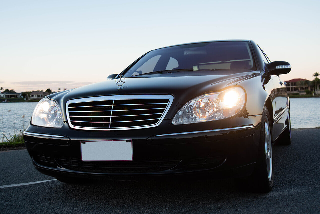 Mercedes S500 Front View